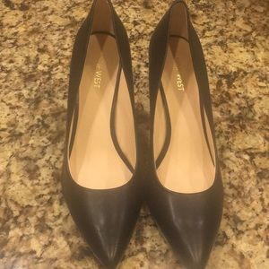Classic Black Nine West Pumps